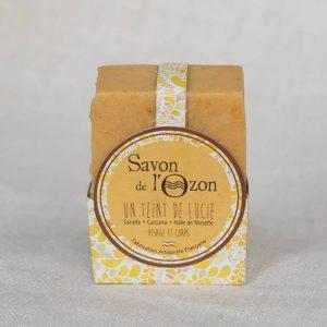 Cosmétique artisanal Savon de l'Ozon Un Teint de Lucie huile de noisette carotte curcuma